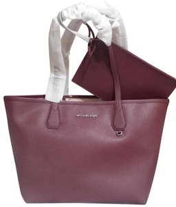 9ec04ad478e1 Michael Kors Candy Reversible Includes Pouch Red Tote in Plum blossom pink