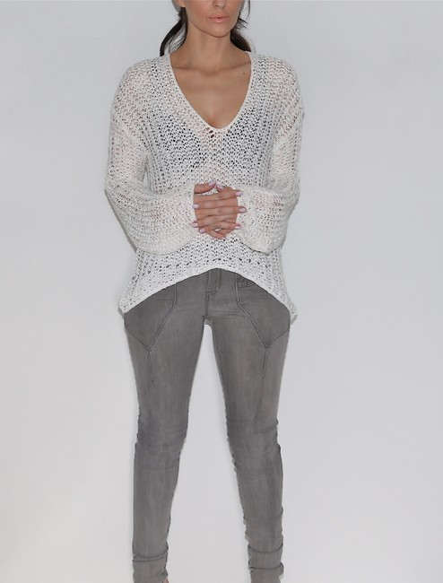 KERISMA V-neck Sweater Image 1