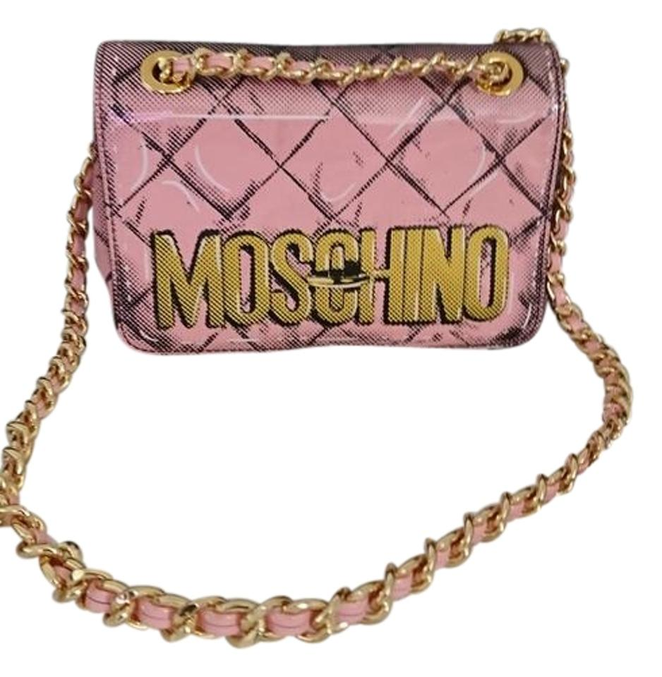 a227de23b539 Moschino Printed Logo Chain Flap Pink Patent Leather Cross Body Bag ...