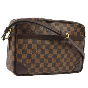 Louis Vuitton Leather Monogram Vintage Cross Body Bag