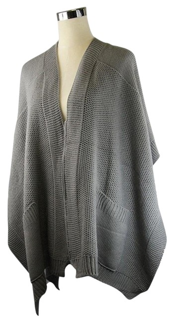 Preload https://item1.tradesy.com/images/gray-knitted-ponchocape-size-os-one-size-22093700-0-1.jpg?width=400&height=650