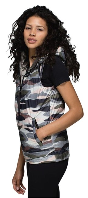 Item - Brown Reversible The Fluffiest Vest Size 8 (M)