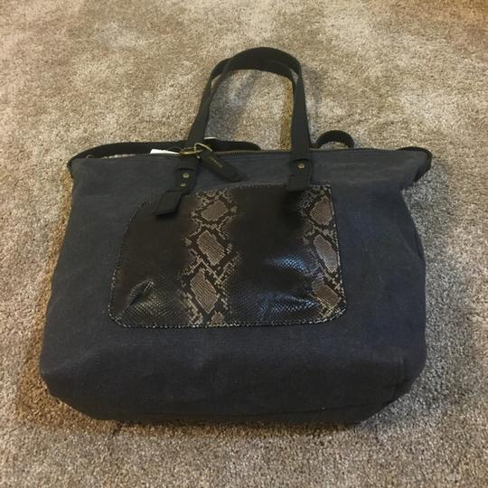 Lucky Brand Tote in Black Image 7