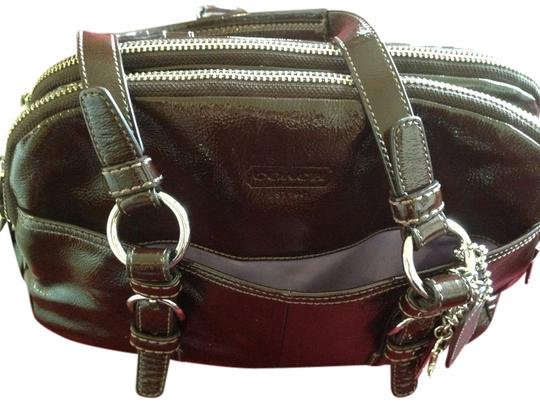 Preload https://item4.tradesy.com/images/coach-purse-with-matching-wallet-burgandy-leather-shoulder-bag-2209543-0-0.jpg?width=440&height=440