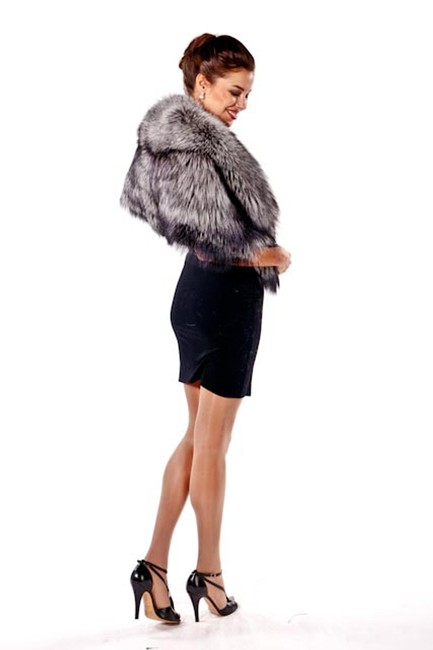 madisonavemall Real Fur Real Fox Womens Fur Womens Fox Fox Fur Cape Image 2