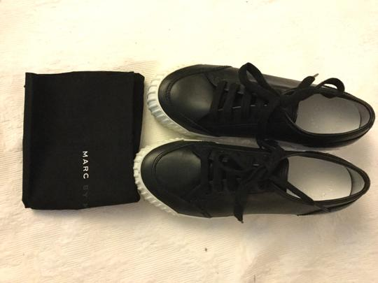 Marc by Marc Jacobs Riley Lowtop Lace-up Black Platforms Image 2