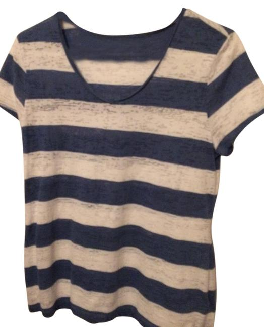 Preload https://img-static.tradesy.com/item/22097434/cato-blue-and-white-striped-tee-shirt-size-10-m-0-1-650-650.jpg