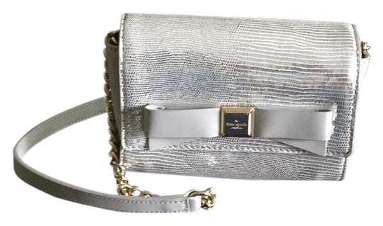 Preload https://img-static.tradesy.com/item/22098357/kate-spade-silvergrey-shoulder-bag-0-1-540-540.jpg
