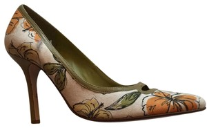 eb2c983281 Nine West green yellow and orange cloth Pumps