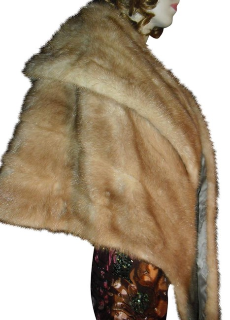 Preload https://img-static.tradesy.com/item/22099088/neiman-marcus-honey-blond-genuine-fur-vintage-mink-fur-shawl-ponchocape-size-os-one-size-0-3-650-650.jpg