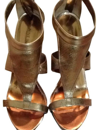 Preload https://img-static.tradesy.com/item/2210173/nine-west-gold-bronze-leather-man-made-sandals-size-us-8-regular-m-b-0-1-540-540.jpg