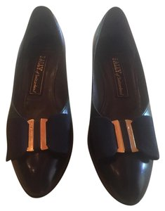 Bally Vintage Classic Navy Blue Pumps