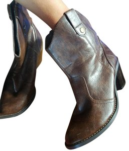 SODA Brown Boots
