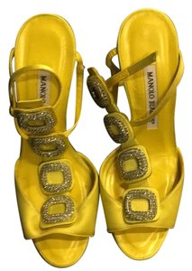 Manolo Blahnik yellow chartreuse Formal