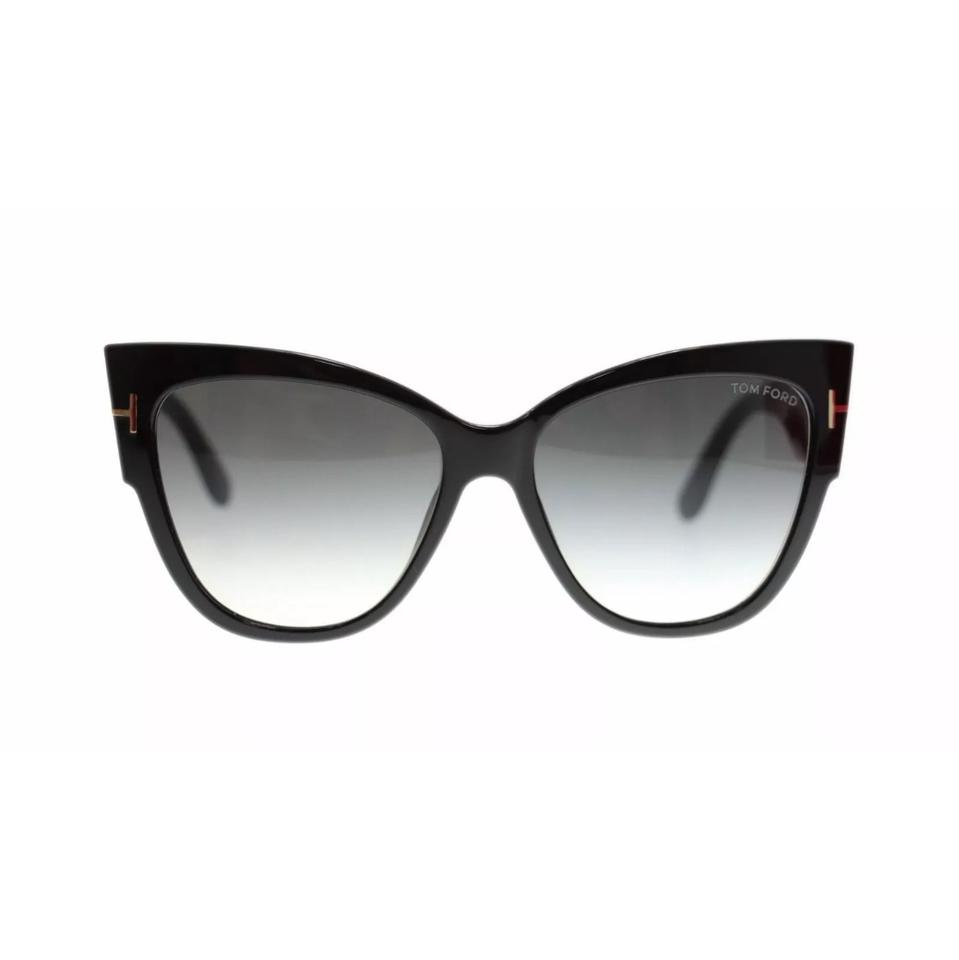 4faa3a58c7 Tom Ford 01b Shiny Black Smoke Gradient Cat Eye 0371 Anoushka Sunglasses -  Tradesy