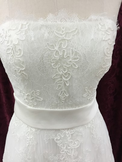 La Sposa Off White Chantilly Lace with Tulle Matilde Modern Wedding Dress Size 8 (M)