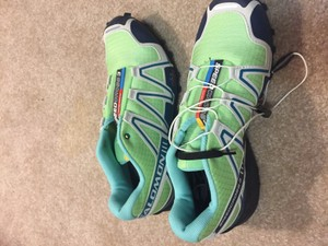 Salomon's iconic running shoe Brand New Never Worn Green Athletic