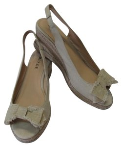 Rampage Size 9m Good Condition BEIGE Wedges