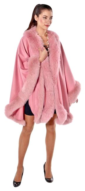 Item - Pink Candy Fox Trimmed Majestic Cashmere Poncho/Cape Size OS (one size)
