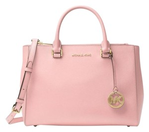 e54895793c0fe6 Michael Kors Saffiano bags, wallets & more - Up to 70% off at Tradesy