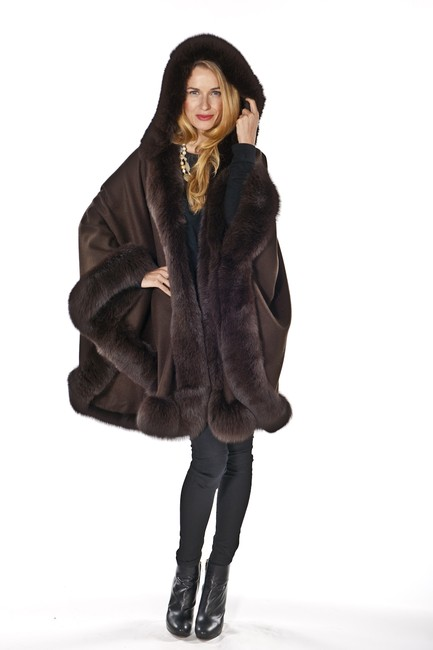 Item - Brown Hooded Fox Fur Cashmere Poncho/Cape Size OS (one size)