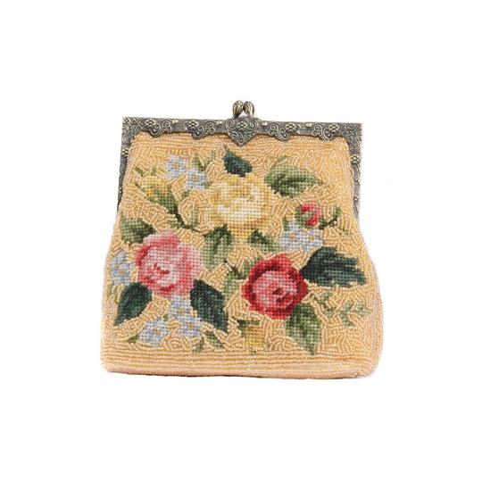 Preload https://img-static.tradesy.com/item/22107800/needlepoint-evening-vintage-style-gold-brown-clutch-0-0-540-540.jpg