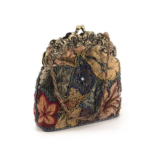 Preload https://img-static.tradesy.com/item/22107987/tapestry-evening-vintage-style-multi-colored-clutch-0-0-540-540.jpg