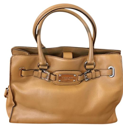 Preload https://img-static.tradesy.com/item/22108099/michael-kors-large-brown-leather-satchel-0-1-540-540.jpg