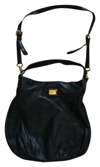 Preload https://img-static.tradesy.com/item/22109788/marc-by-marc-jacobs-hobo-black-leather-cross-body-bag-0-1-540-540.jpg