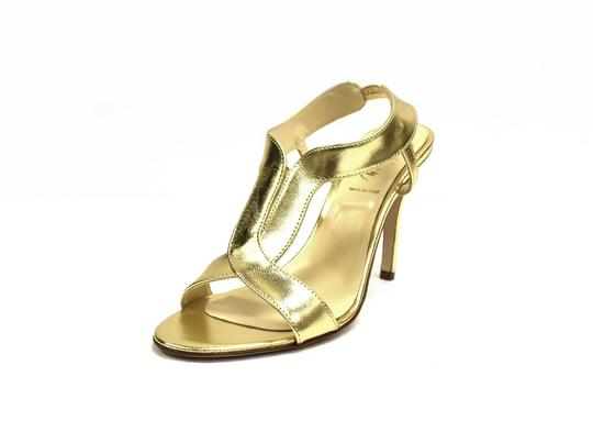 Preload https://img-static.tradesy.com/item/22110008/butter-gold-danger-sandals-size-us-85-regular-m-b-0-0-540-540.jpg