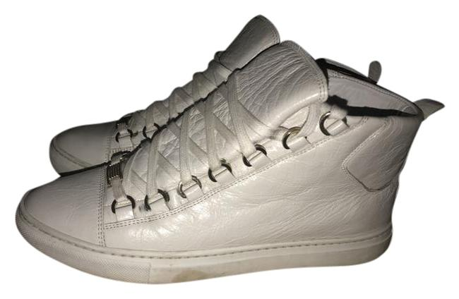 Item - White Sneakers Size EU 39 (Approx. US 9) Narrow (Aa, N)