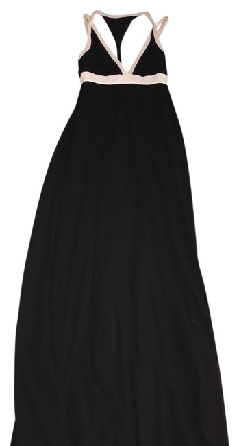 Preload https://img-static.tradesy.com/item/22111879/akira-black-and-white-gown-with-cut-outs-long-formal-dress-size-2-xs-0-1-650-650.jpg