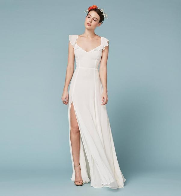 Item - Ivory This Is A Lightweight Georgette Fabric with A Dry Handfeel - Viscose. Julieta Wedding Dress Size 6 (S)