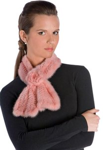 madisonavemall Knitted Mink Scarf - Pink Mink Rosette