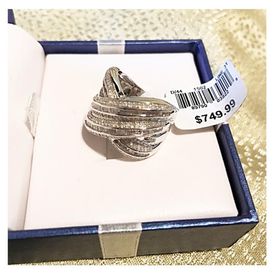 2 Carats .925 Sterling Silver 2 Carats set in Sterling Silver Image 3