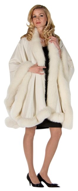 Item - White Majestic Fox Trimmed Winter Cashmere Poncho/Cape Size OS (one size)