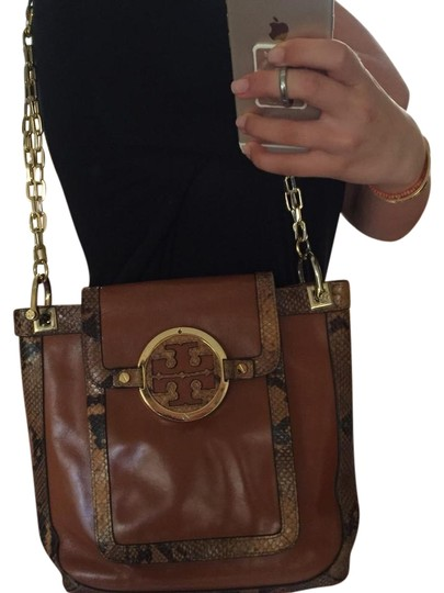 Preload https://item3.tradesy.com/images/tory-burch-snakeskincamel-with-gold-hardware-camel-and-snakeskin-leather-tote-22114847-0-1.jpg?width=440&height=440