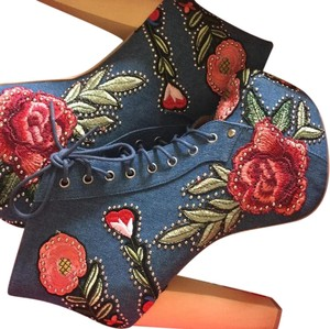 Jeffrey Campbell Denim & floral style. Boots