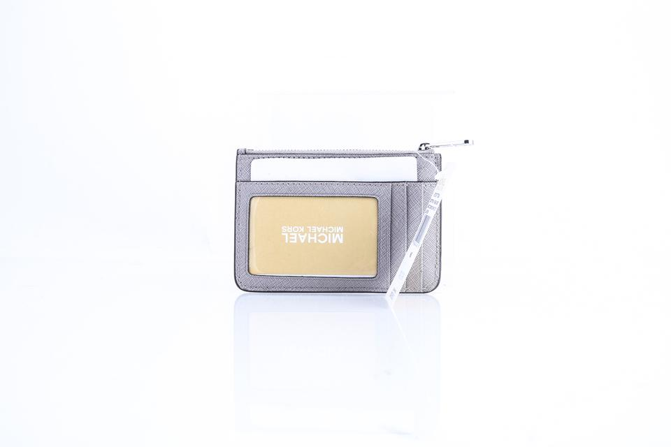 1353e6e01e81 Michael Kors Pearl Grey Jet Set Small Top Zip Coin Pouch with Id Holder  Wallet - Tradesy