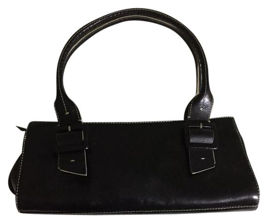 Preload https://img-static.tradesy.com/item/22118499/kenneth-cole-small-square-root-black-w-tan-trim-leather-satchel-0-1-540-540.jpg