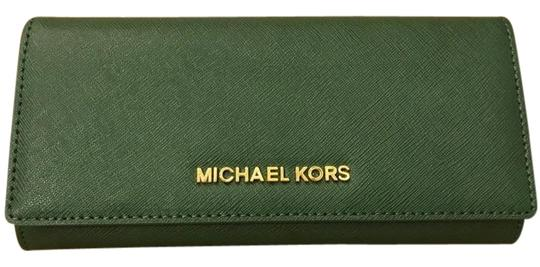 Preload https://img-static.tradesy.com/item/22118743/michael-kors-moss-green-jet-set-carryall-leather-silver-wallet-0-1-540-540.jpg