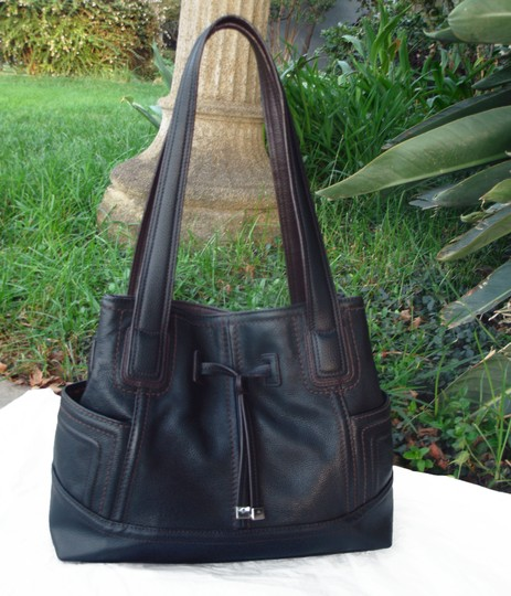 Tignanello Shopper Pockets Carryall Leather Tote in Black and brown Image 2