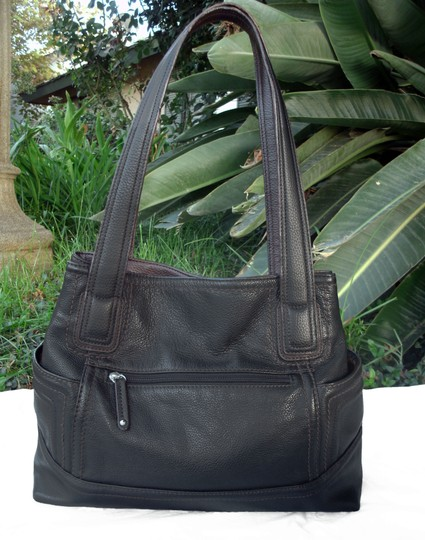 Tignanello Shopper Pockets Carryall Leather Tote in Black and brown Image 6