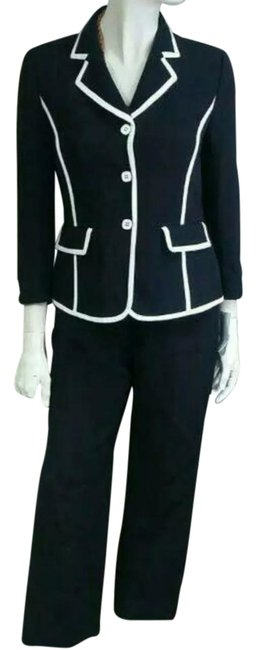 Item - Black and White Pant Suit Size Petite 4 (S)