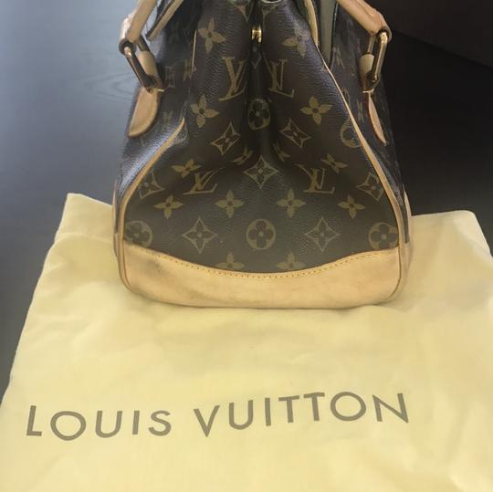 Louis Vuitton Tote in brown and beige Image 10
