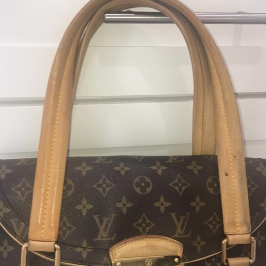 Louis Vuitton Tote in brown and beige Image 4