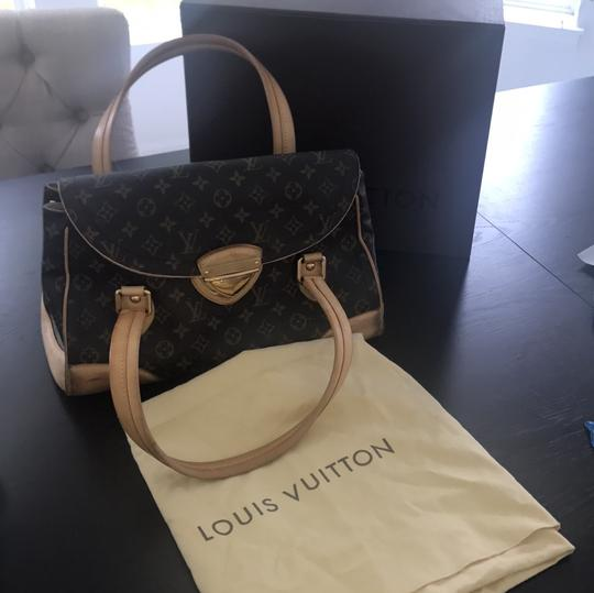 Louis Vuitton Tote in brown and beige Image 8