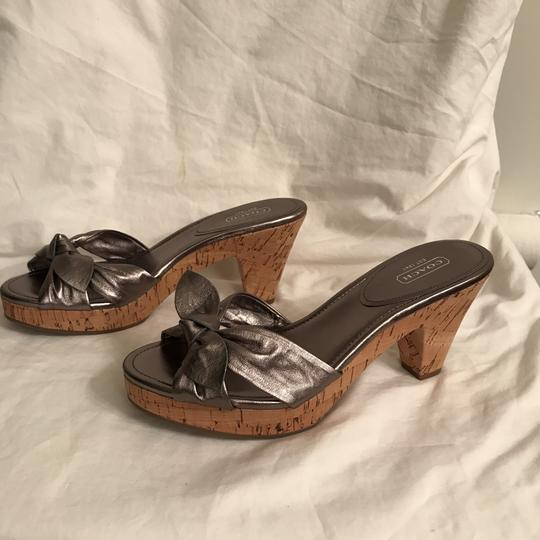 Coach Leather New Metallic Cork Silver Pewter Sandals Image 6