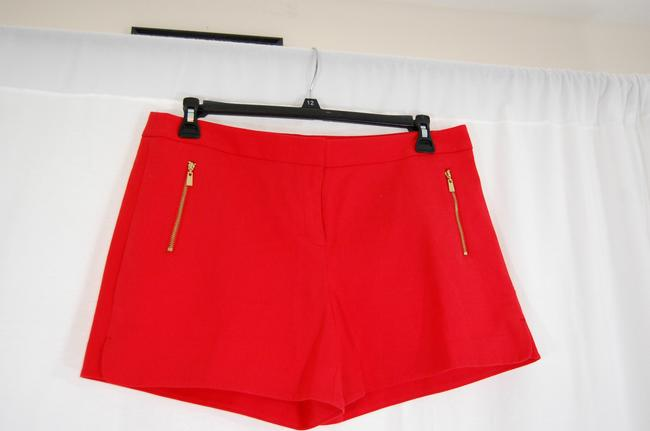 Laundry by Shelli Segal Gold Hardware Zipper Flattering Flat Front Besom Pockets Mini/Short Shorts Red Image 4