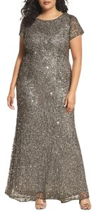Adrianna Papell Lead Sequins Mesh Polyester Embellished Scoop Back Gown Formal Bridesmaid/Mob Dress Size 16 (XL, Plus 0x)